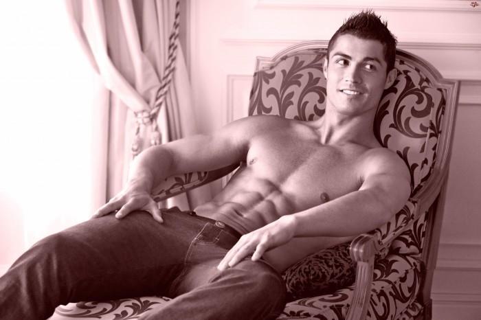 Cristiano sin camiseta